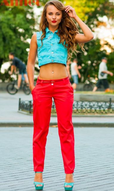 calca-vermelha-feminina-jeans-cropped