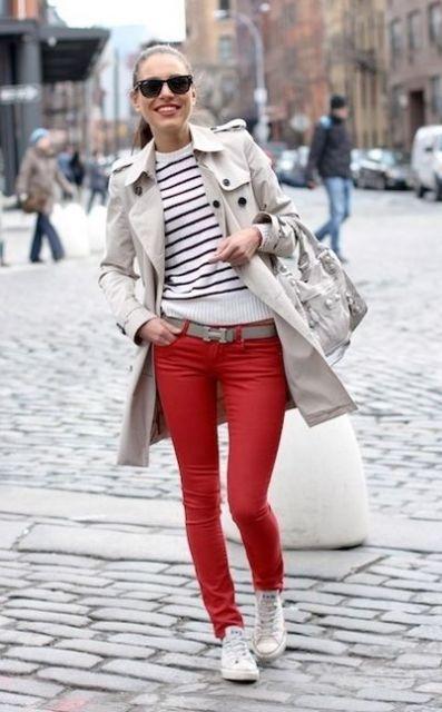 calca-vermelha-tenis-branco