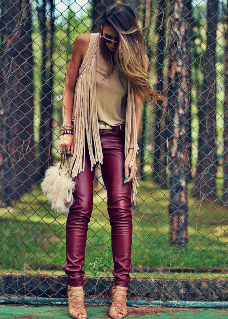calça couro colorida