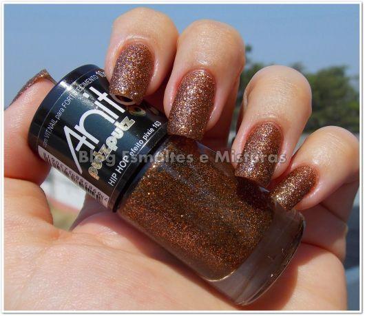 esmalte-marrom-com-glitter-anita