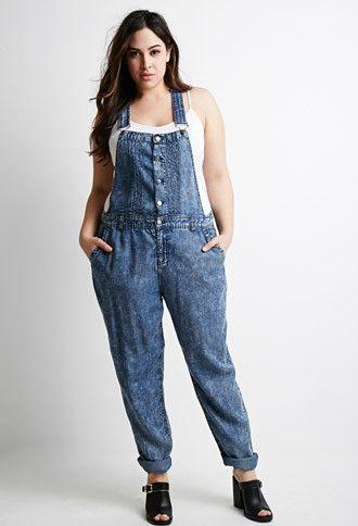 jardineira-jeans-comprida-plus-size-como-usar