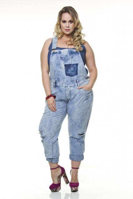 jardineira-jeans-comprida-plus-size-ideias-como-usar