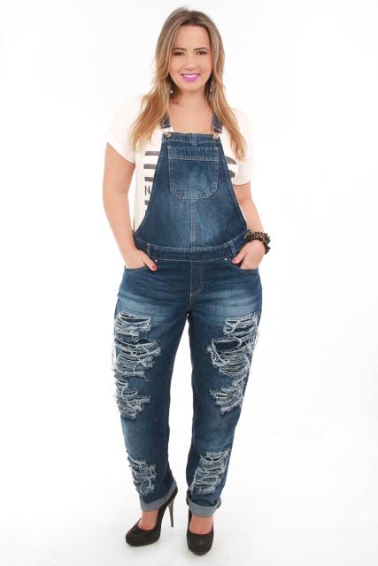 jardineira-jeans-comprida-plus-size