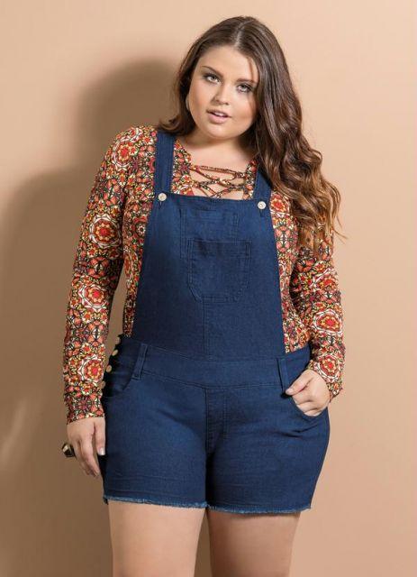 jardineira-jeans-curta-plus-size-1