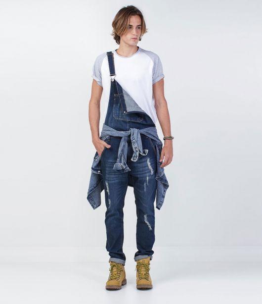 jardineira-masculina-jeans-como-usar
