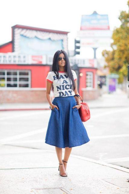 saia jeans com T-shirt