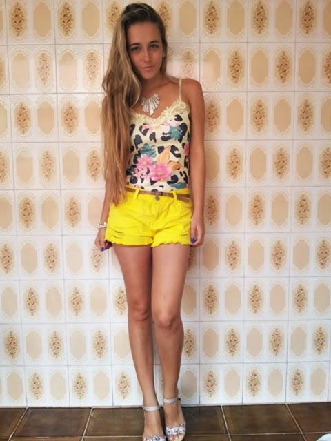 look short amarelo