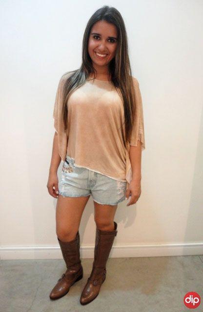 short-com-bota-montaria-marrom