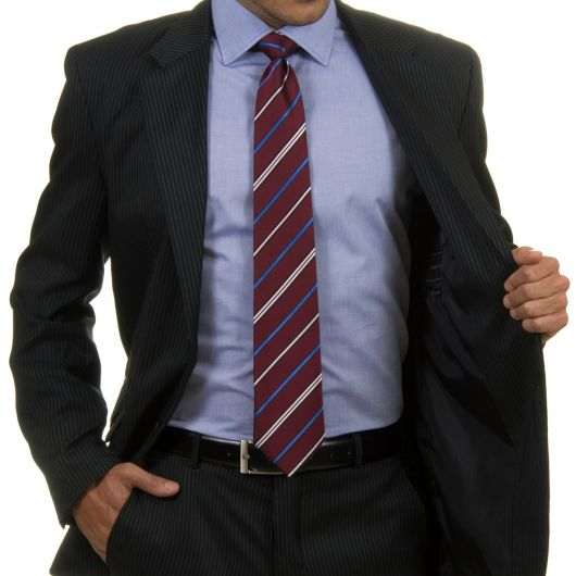 terno-risca-de-giz-camisa-lisa