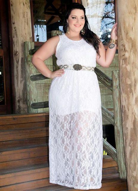 look plus size com vestido de renda