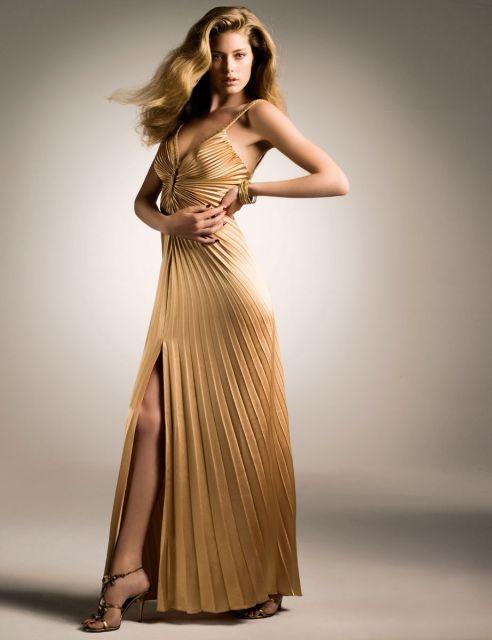 como usar vestido de festa dourado