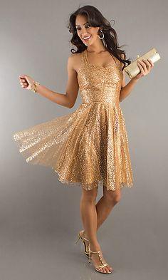 modelo de vestido de festa dourado com renda