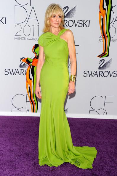 vestido-de-formatura-verde-longo-senhora