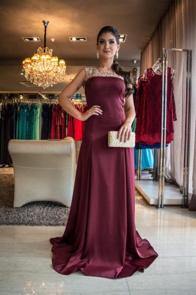 vestido-de-madrinha-vermelho-bordo-comprido