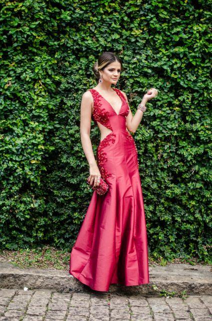 vestido-de-madrinha-vermelho-dourado-detalhes