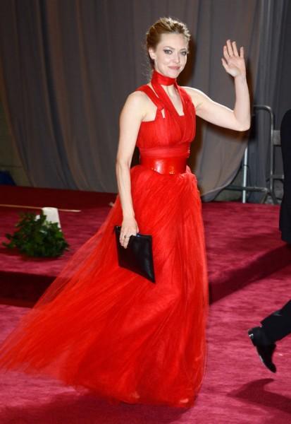 vestido-de-madrinha-vermelho-longo-diferente