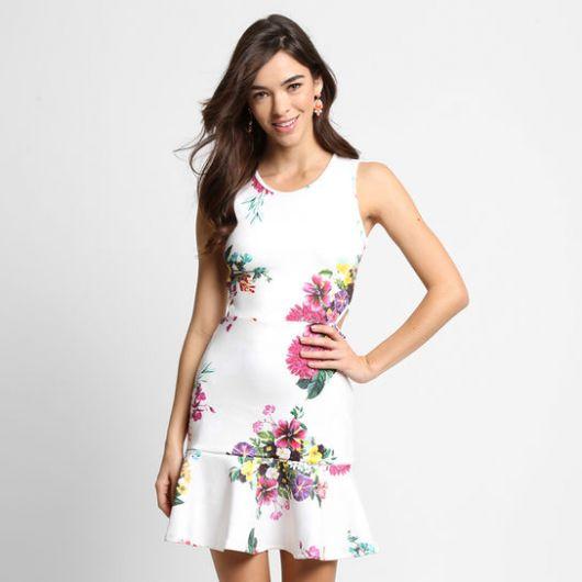 vestido-neoprene-com-babado-como-usar