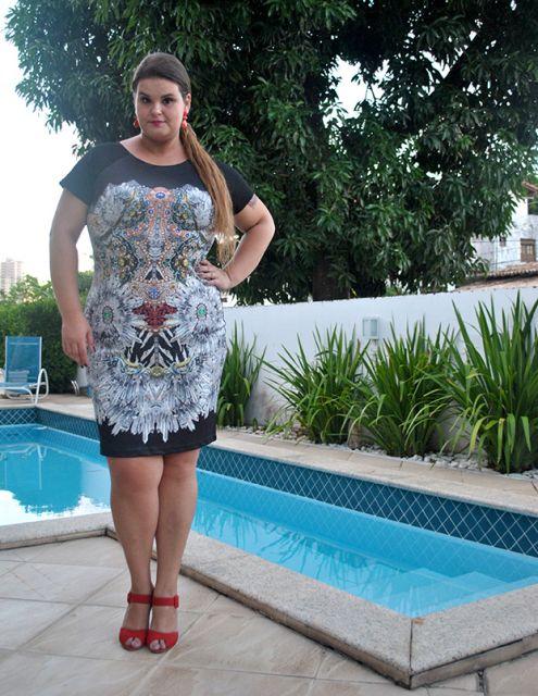 vestido-neoprene-plus-size-justo