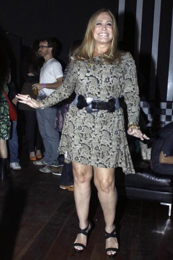 vestidos-de-festa-para-senhoras-curto-e-rodado