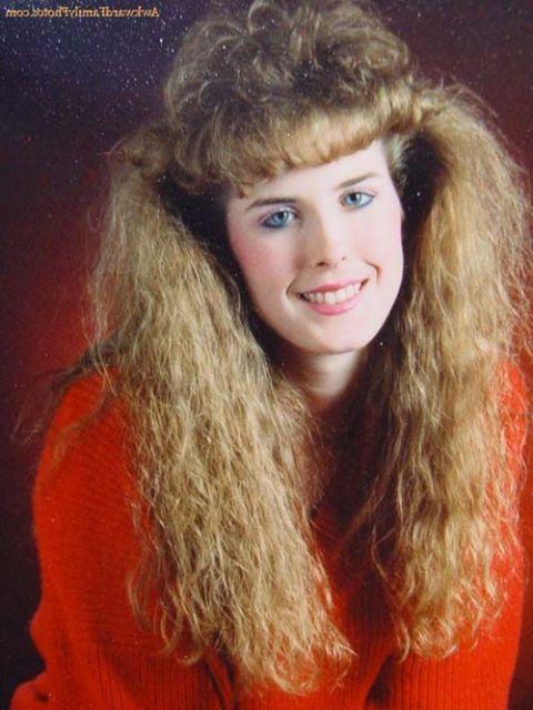 penteados-anos-80-cacheados-compridos