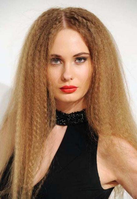 penteados-anos-80-feminino-longo