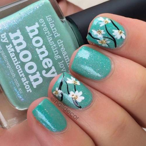 unhas-curtas-decoradas-com-flores-verde