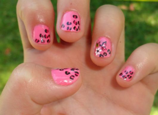 unhas-curtas-decoradas-filha-unica-divertida