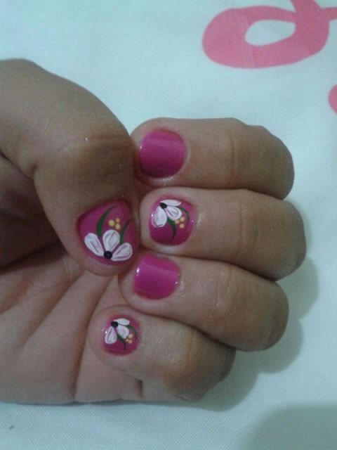 unhas-curtas-decoradas-flores