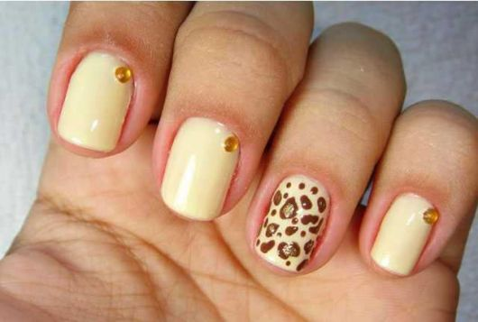 unhas-curtas-decoradas-onca