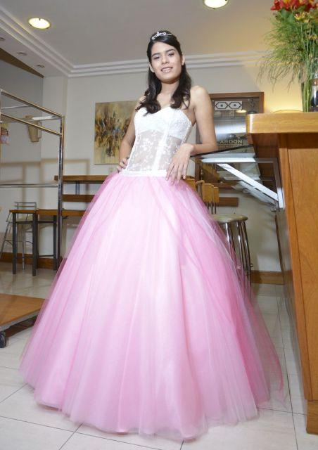 vestido-de-15-anos-rosa-clarinho-tomara-que-caia