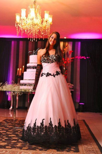 vestido-de-15-anos-rosa-e-preto
