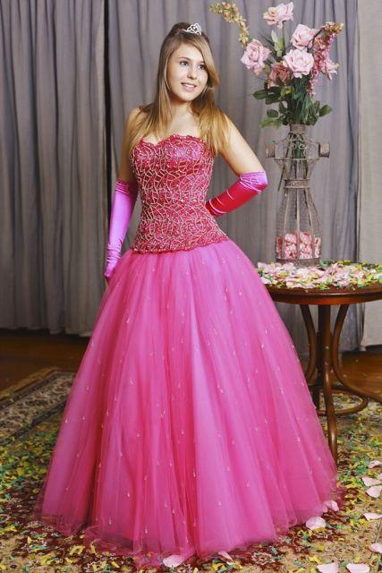 vestido-de-15-anos-rosa-luvas