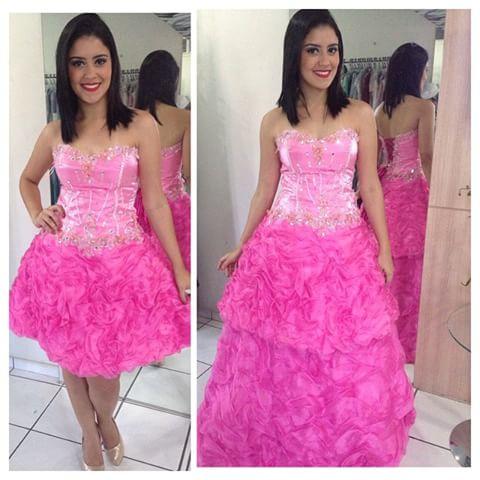 8b0bd7dad Vestido de 15 anos Rosa  Conheça 50 modelos para você ficar linda!