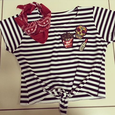 cropped-listrado-com-patches-t-shirt