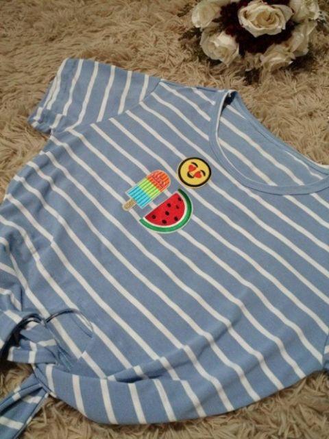 cropped-listrado-com-patches-y-shirt