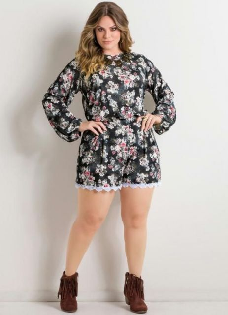macacao-plus-size-curtinho-floral