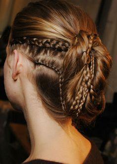penteados-viking-feminino-moderno