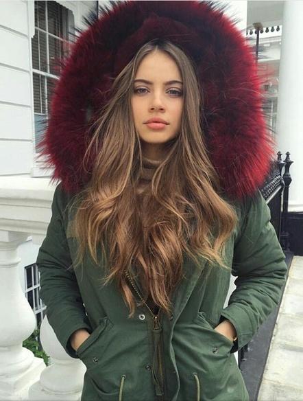 exemplo de modelo de sobretudo feminino com capuz