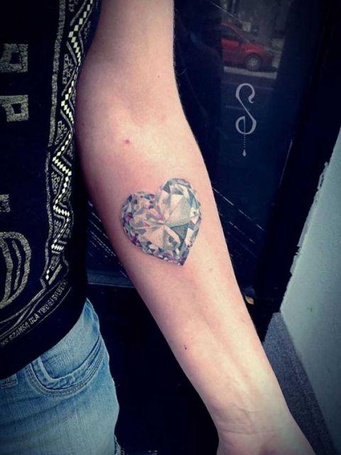 diamante em formato de coração