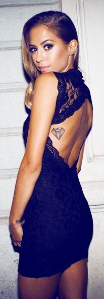 tatuagem costela feminina