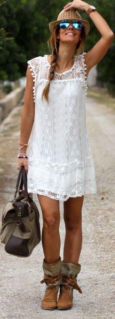 vestido de renda com bota