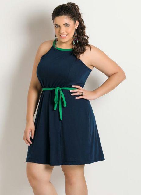 vestido-de-alcinha-curto-plus-size