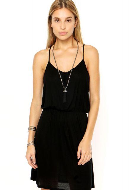 vestido-de-alcinha-curto-preto-4