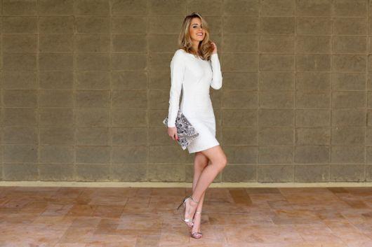vestido curto de manga longa