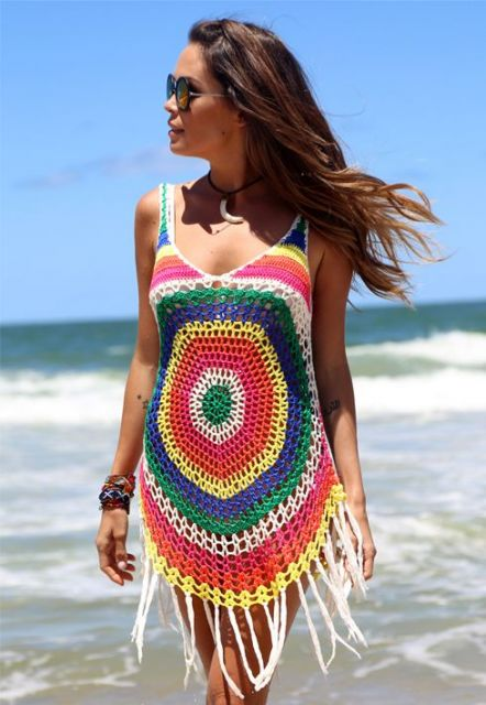 vestido colorido crochê