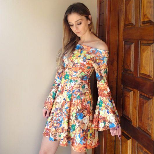 vestido-manga-flare-estampado-colorido