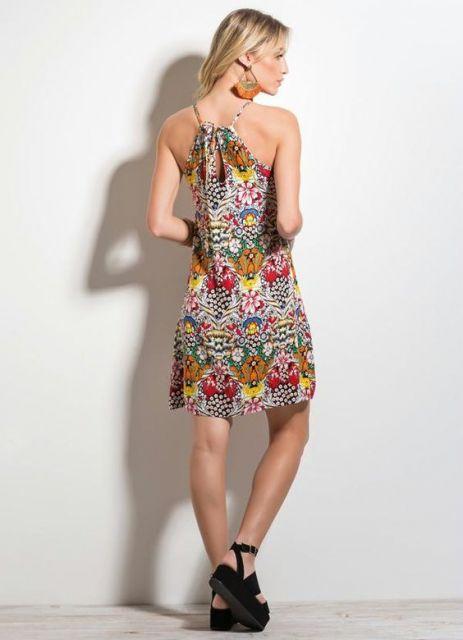 vestido-trapezio-estampa-floral