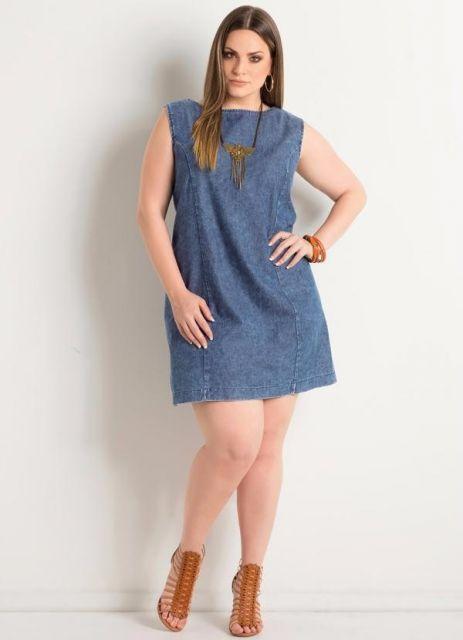 vestido-trapezio-jeans-plus-size