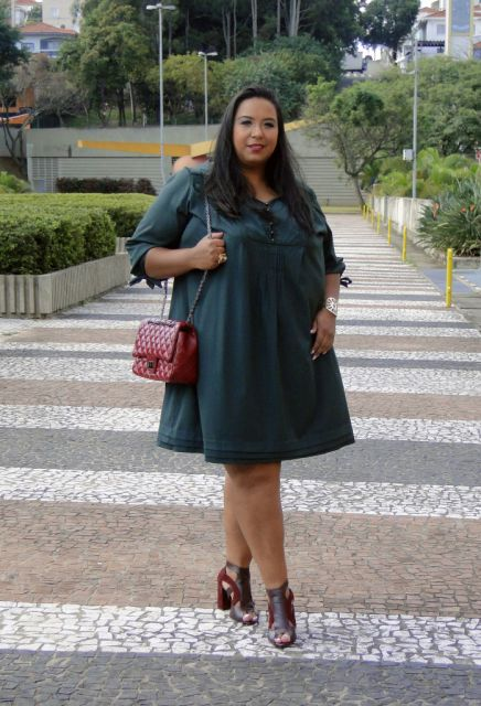 vestido-trapezio-plus-size-preto