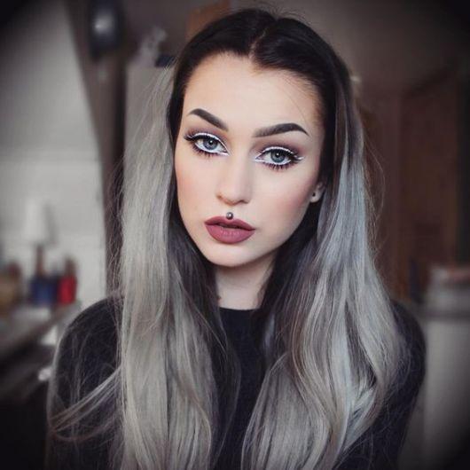 cabelo-com-mecha-branca-estilo